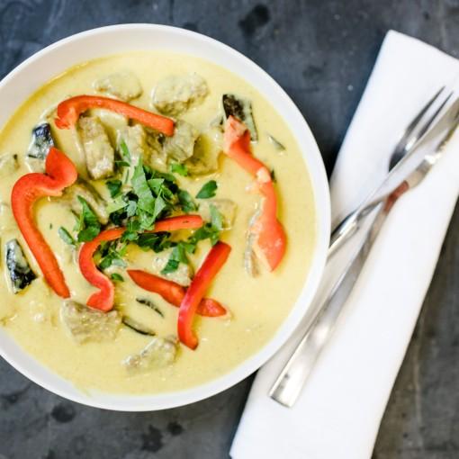 Thai-Curry mit Bio-Rindfleisch dazu Basmatireis