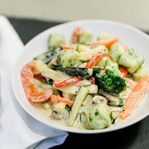 Buntes Gemüse mit Bärlauch-Gnocchi