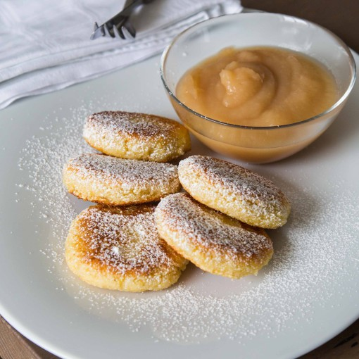 Süße Polentalaibchen mit Apfelmus