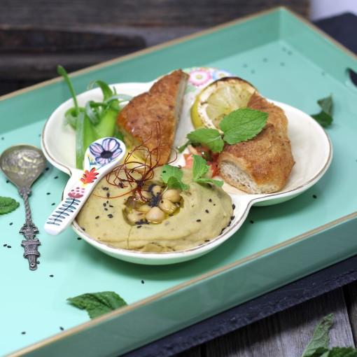 Linsen-Hummus mit Wurzelweckerl