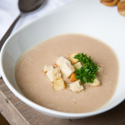 Maronicremesuppe mit Croutons