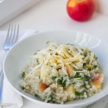 Risotto mit Äpfel und Berkäse verfeinert