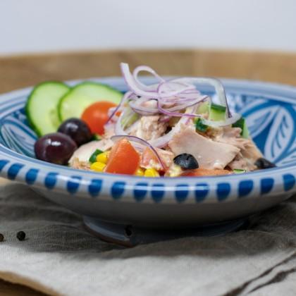 Thunfisch-Salat mit selbst gemachtem Ciabatta